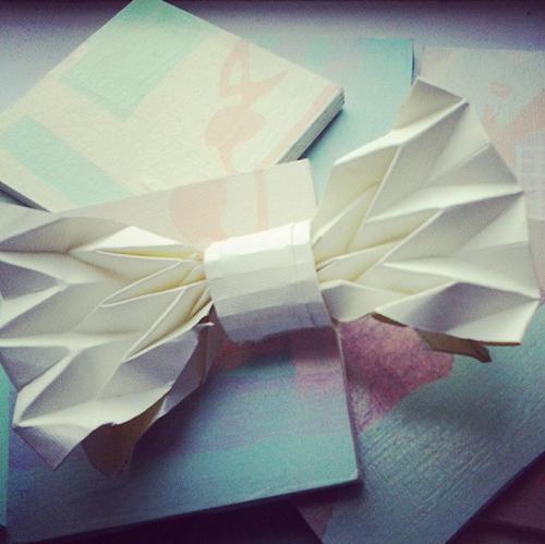 Origami Bow Tie Photo Tutorial - Paper Kawaii | 499x500