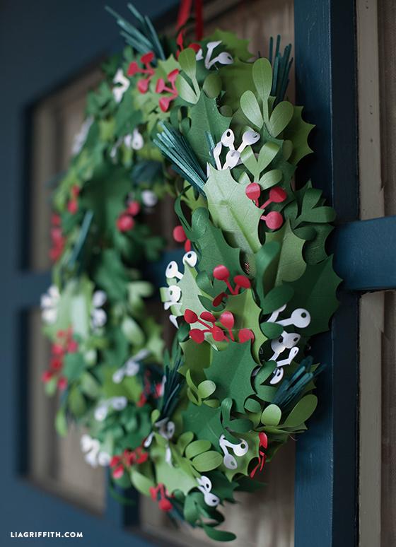 DIY_Paper_Christmas_Wreath