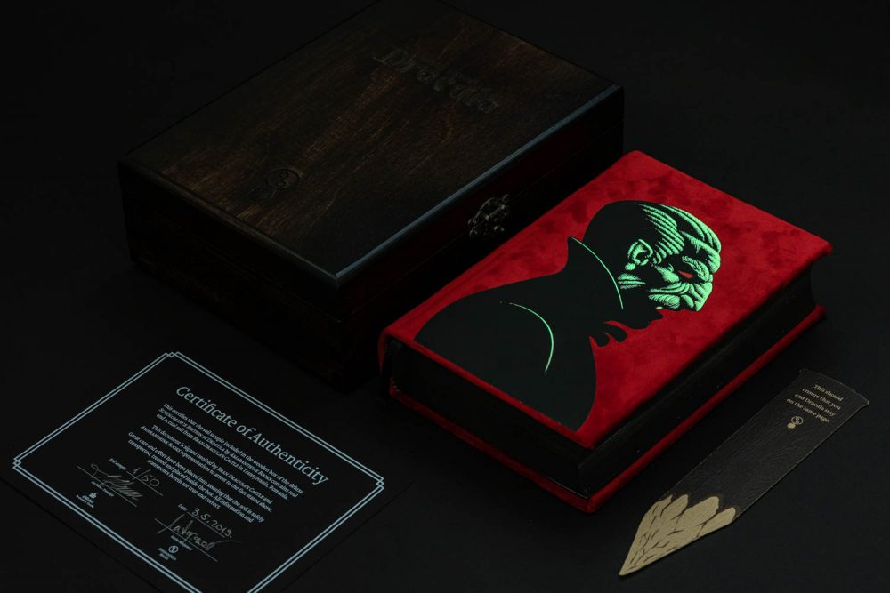 Special edition Dracula by Amaranthine Books