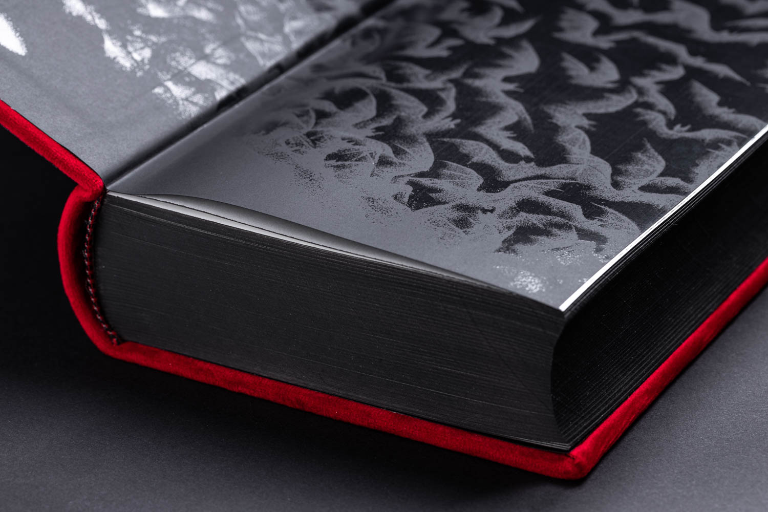 details – dracula endpapers