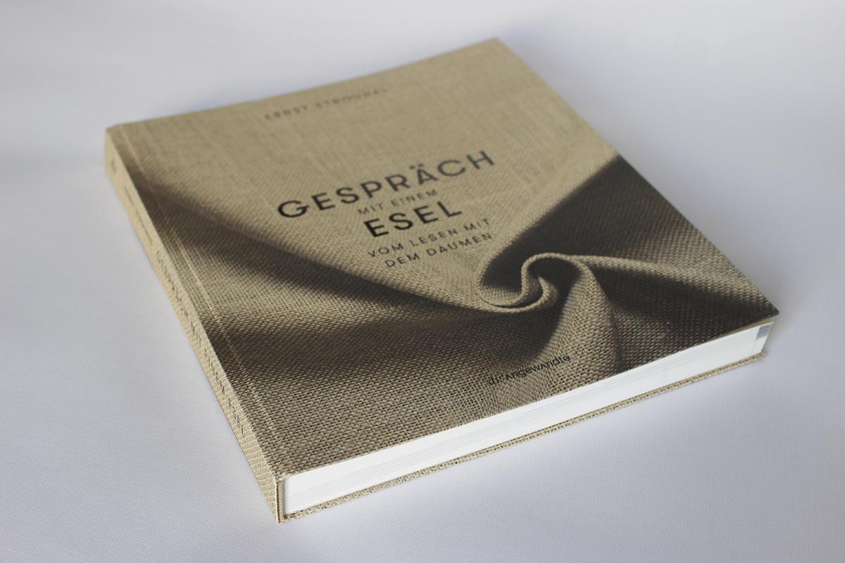 Gespräch mit Einem Esel - A Book That Turns Your Reading Habits Upside Down