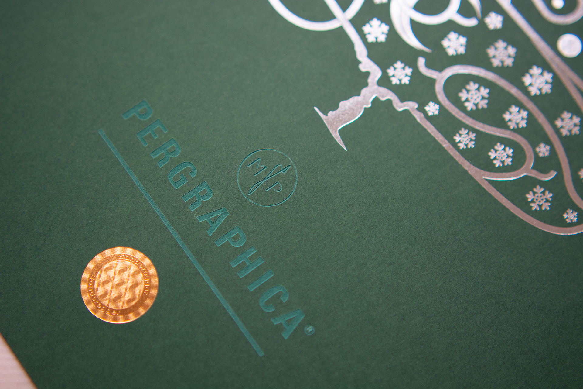 Hotfoil with Micro embossing on PERGRAPHICA® Colours Magnificent Green