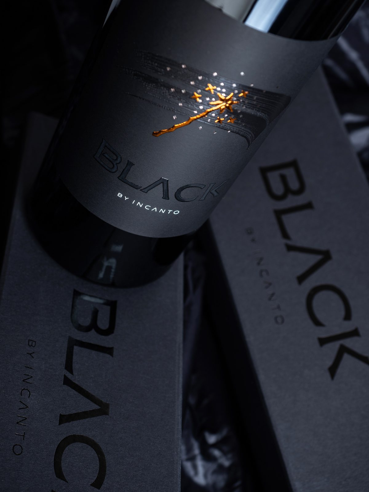 The Incanto Black Branding & Packaging Shows The Enchanting Power of Wine