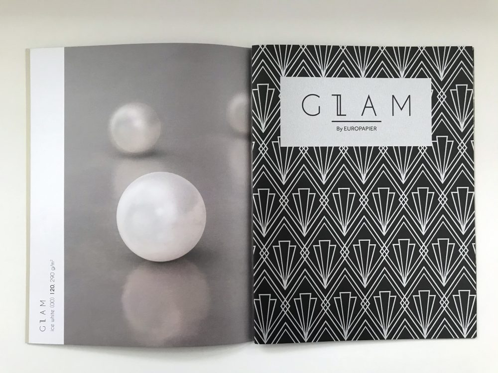 Detailed product example of a shiny pearl and geometrical pattern example.